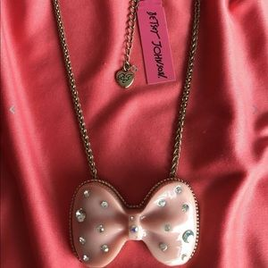 Betsey Johnson Pink Bow Necklace NWT